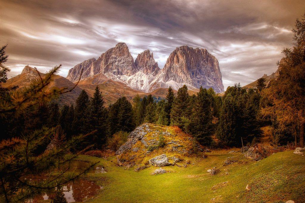 dolomites, mountains, alps-4525938.jpg